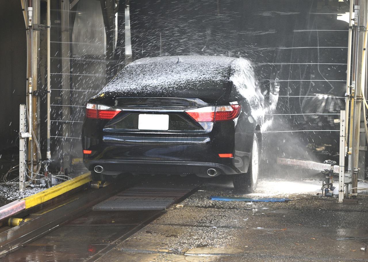Jak przywrócić pierwotny blask auta?