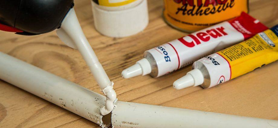 Czego użyć do zmycia pianki montażowej z rąk?