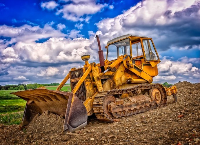 O częściach do maszyn rolniczych i budowlanych