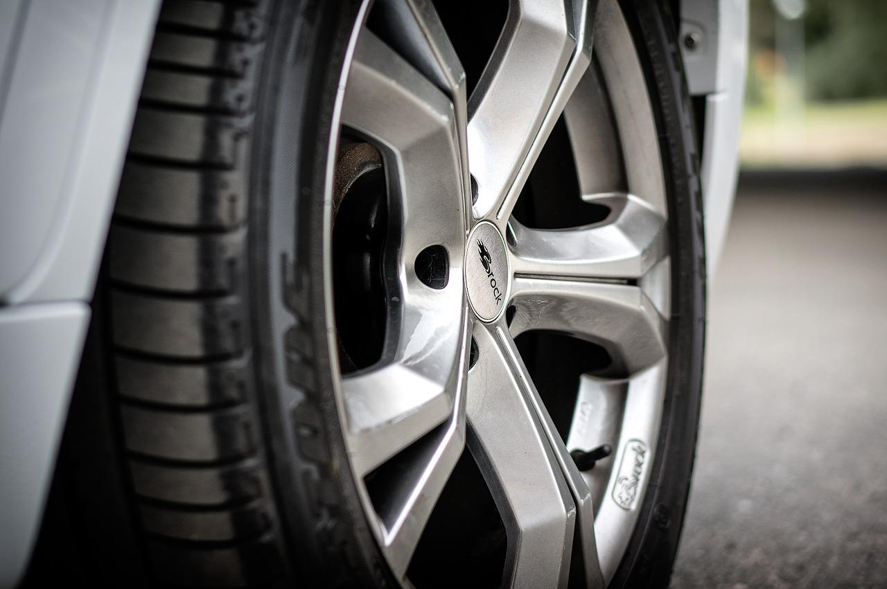 Opony samochodowe – zdecyduj się na dobry produkt